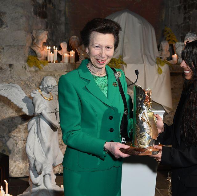 the queen elizabeth ii award for british design   presentation   lfw february 2020