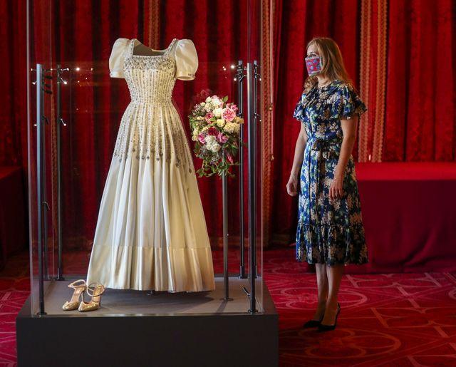 princess beatrice's wedding dress goes on display at windsor castle