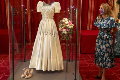 princess beatrice's wedding dress goes on display at windsor castle