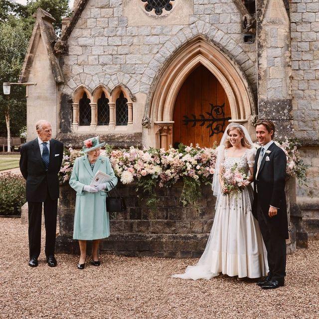 princess beatrice wedding edoardo mapelli mozzi queen elizabeth prince philip