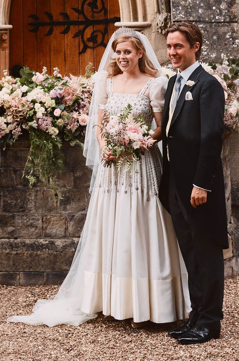 Princess Beatrice Wedding Dress Pictures And Details