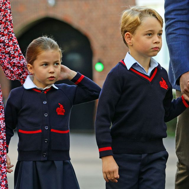 britains princess charlotte of cambridge, with her brother, britains prince george of cambridge, arrives for her first day of school at thomass battersea in london on september 5, 2019 photo by aaron chown  pool  afp        photo credit should read aaron chownafp via getty images