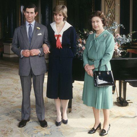 Inside Queen Elizabeth Ii And Princess Diana S Very Complicated