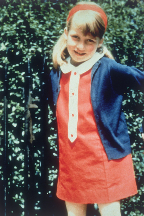 princess diana's best fashion moments and outfits before becoming a member of the royal family, in her lady diana spencer days
