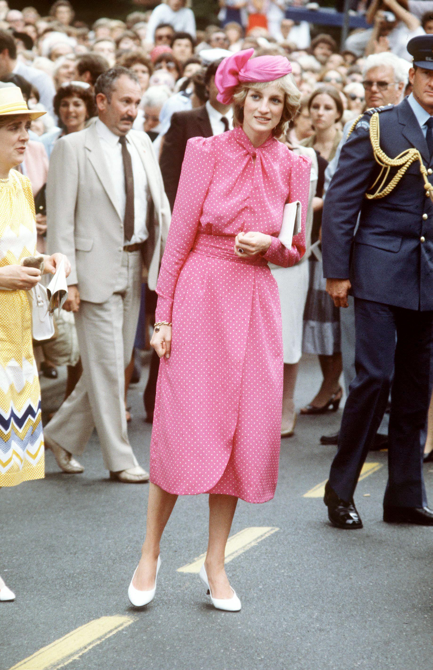 The Crown's Emma Corrin looks just like Princess Diana in new season 4 set photos