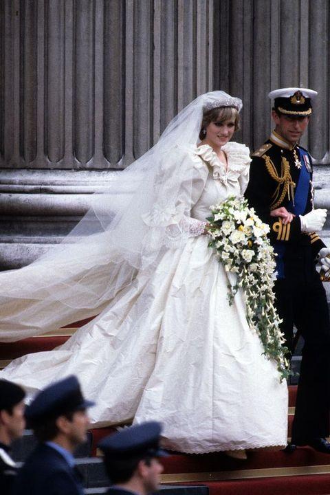 ダイアナ妃 チャールズ皇太子 結婚式 英国ロイヤルファミリー