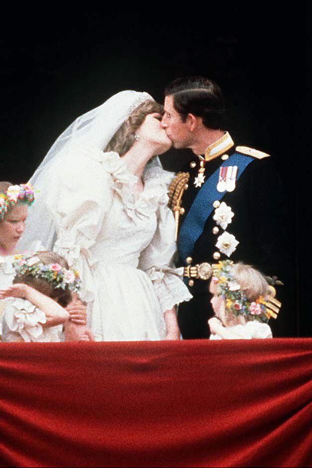 Princess Diana\'s Wedding Dress - Every Detail of Princess Diana\'s ...