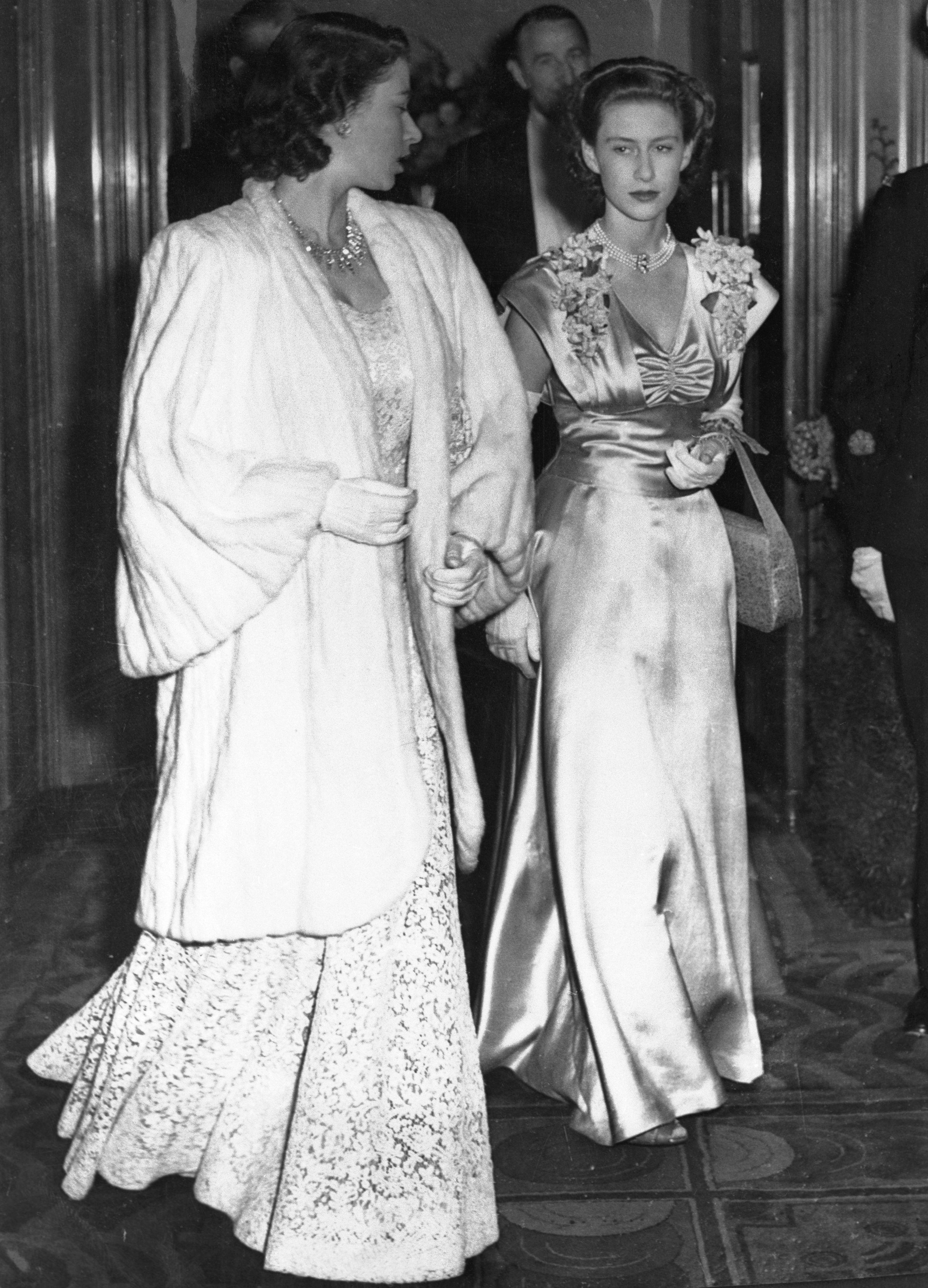 50 Photos Of Queen Elizabeth And Her Sister Princess Margaret Together