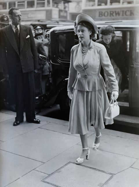 a pregnant princess elizabeth in london 1948