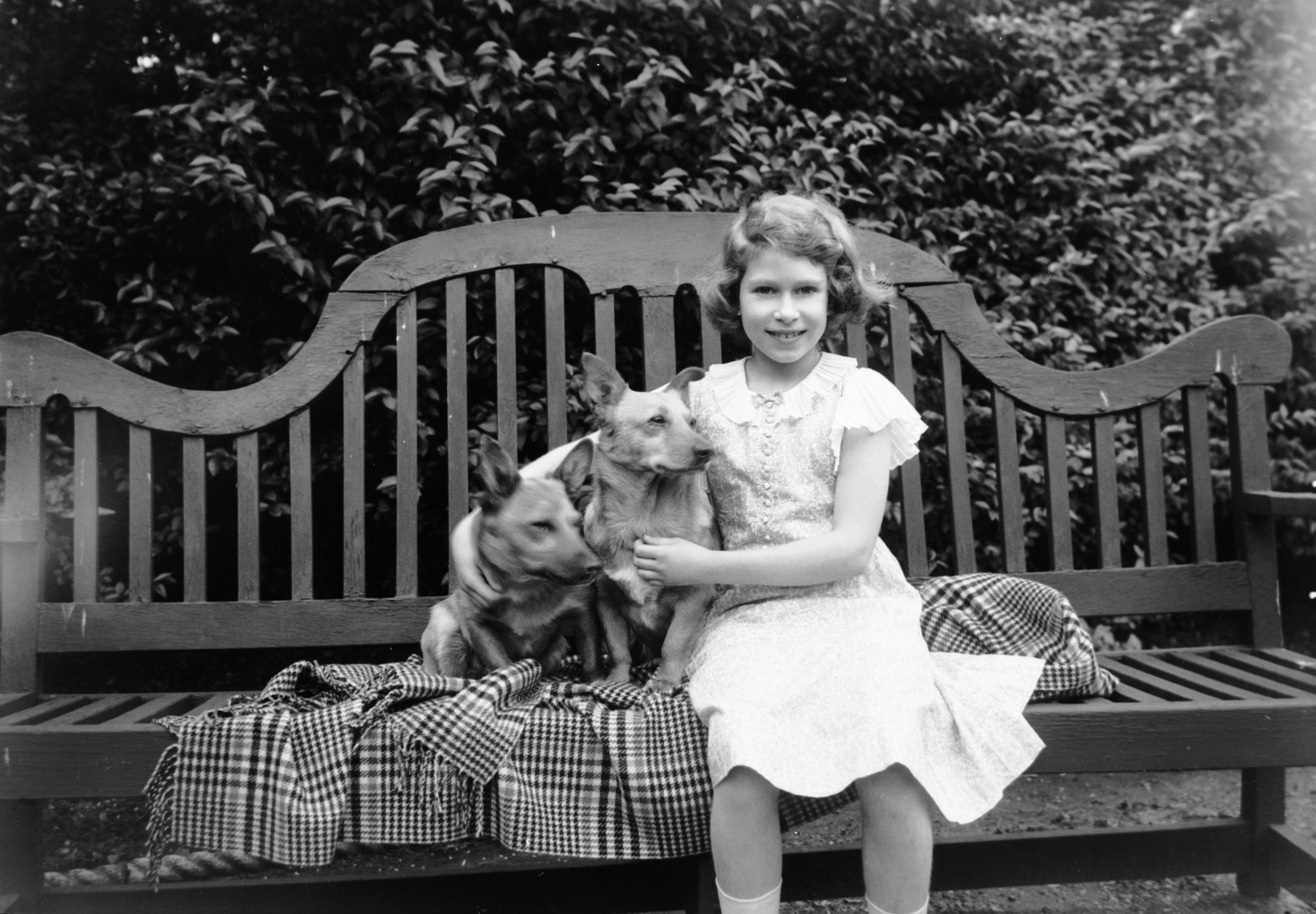 Così la Regina Elisabetta è diventata The Queen, la storia (e lo scandalo) che l'hanno portata sul trono