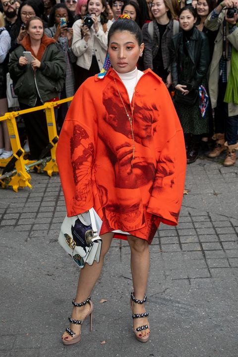 valentino  outside arrivals    paris fashion week   womenswear spring summer 2020