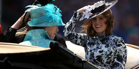 Headgear, Headpiece, Event, Photography, Performance, Fashion accessory, Hat,