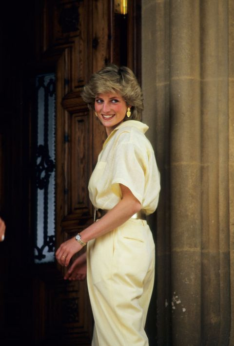 diana, princess of wales on holiday in majorca, spain on august 10, 1987  photo by georges de keerlegetty images