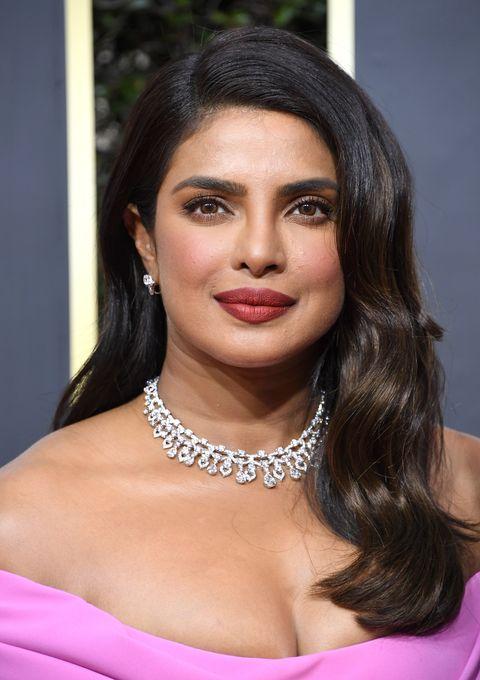 Priyanka Chopra bij de Annual Golden Globe Awards met een natuurlijke blush