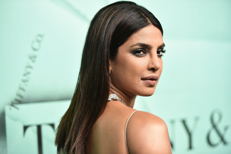 Priyanka Chopra hair colour