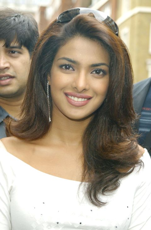 bollywood stars promote temptation 2004