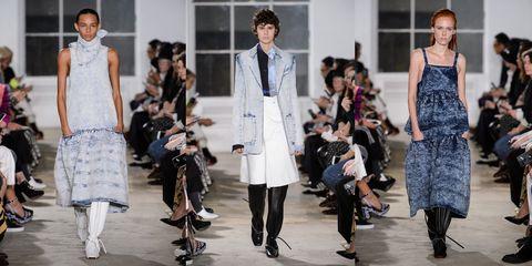 Fashion, Fashion model, Runway, Clothing, Fashion show, Fashion design, Street fashion, Footwear, Outerwear, Event,