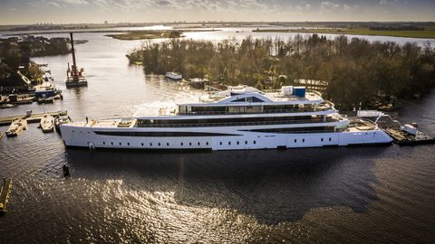feadship project 817 te water