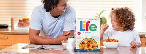 Meal, Breakfast cereal, Food, Cereal, Corn flakes, Breakfast, Complete wheat bran flakes, Eating, Cuisine, Vegetarian food,