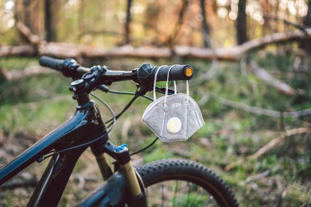cycling with mask, coronavirus, covid 19
