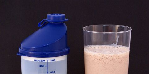 Protein shake from powder