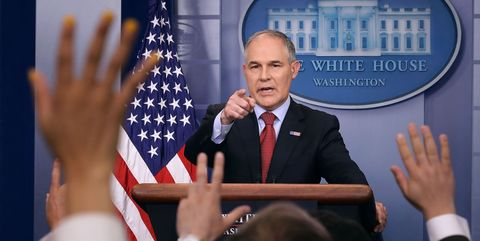 Speech, Spokesperson, News conference, Orator, Official, Event, Public speaking, Gesture, Hand, Government,