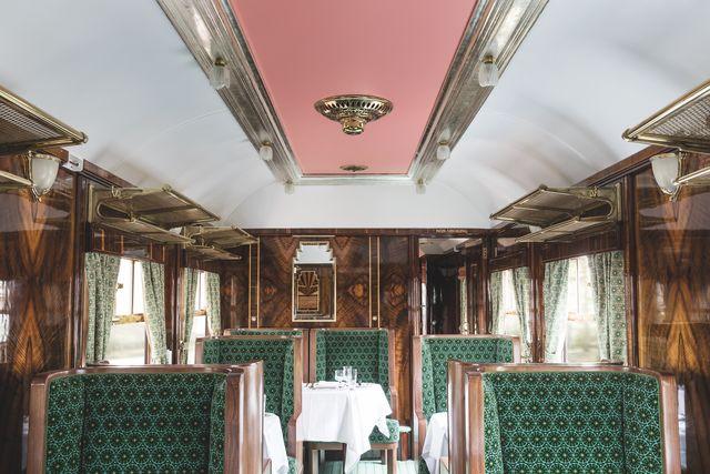 la nuova carrozza cygnus disegnata da wes anderson a bordo del leggendario british pullman di belmond