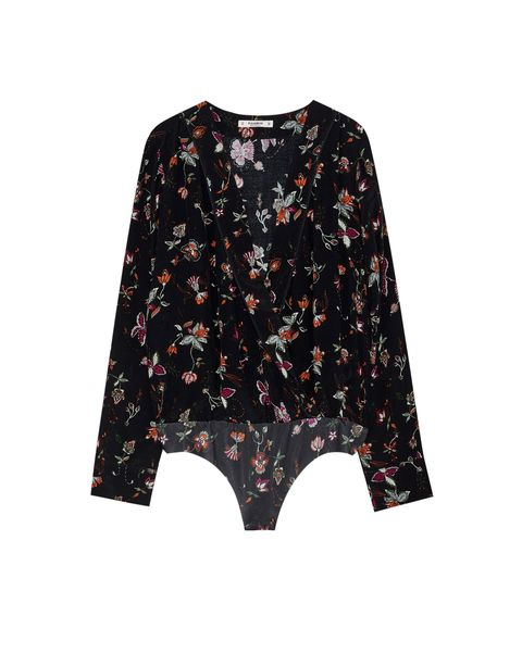 Clothing, Black, Sleeve, Outerwear, Crop top, Blouse, Pink, T-shirt, Top, Pattern,