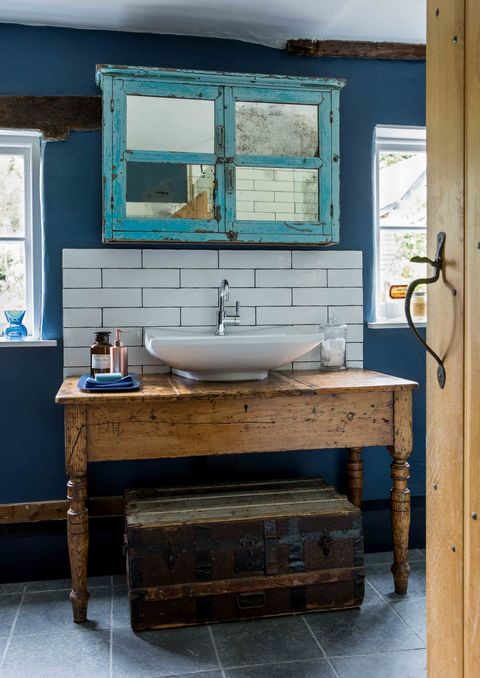Vintage furniture and a gorgeous copper bath bring wow factor to ...