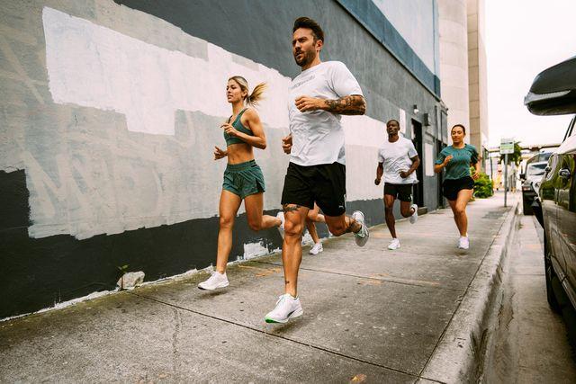puma group of people running