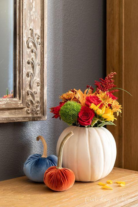 pumpkin flower arrangement diy fall decor
