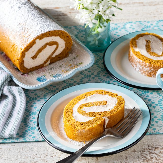 pumpkin roll recipe with cream cheese filling dusted with powdered sugar