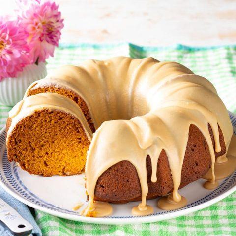 pumpkin spice cake thanksgiving desserts