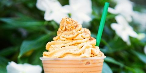 Frappé coffee, Food, Drink, Cream, Dessert, Milkshake, Iced coffee, Non-alcoholic beverage,