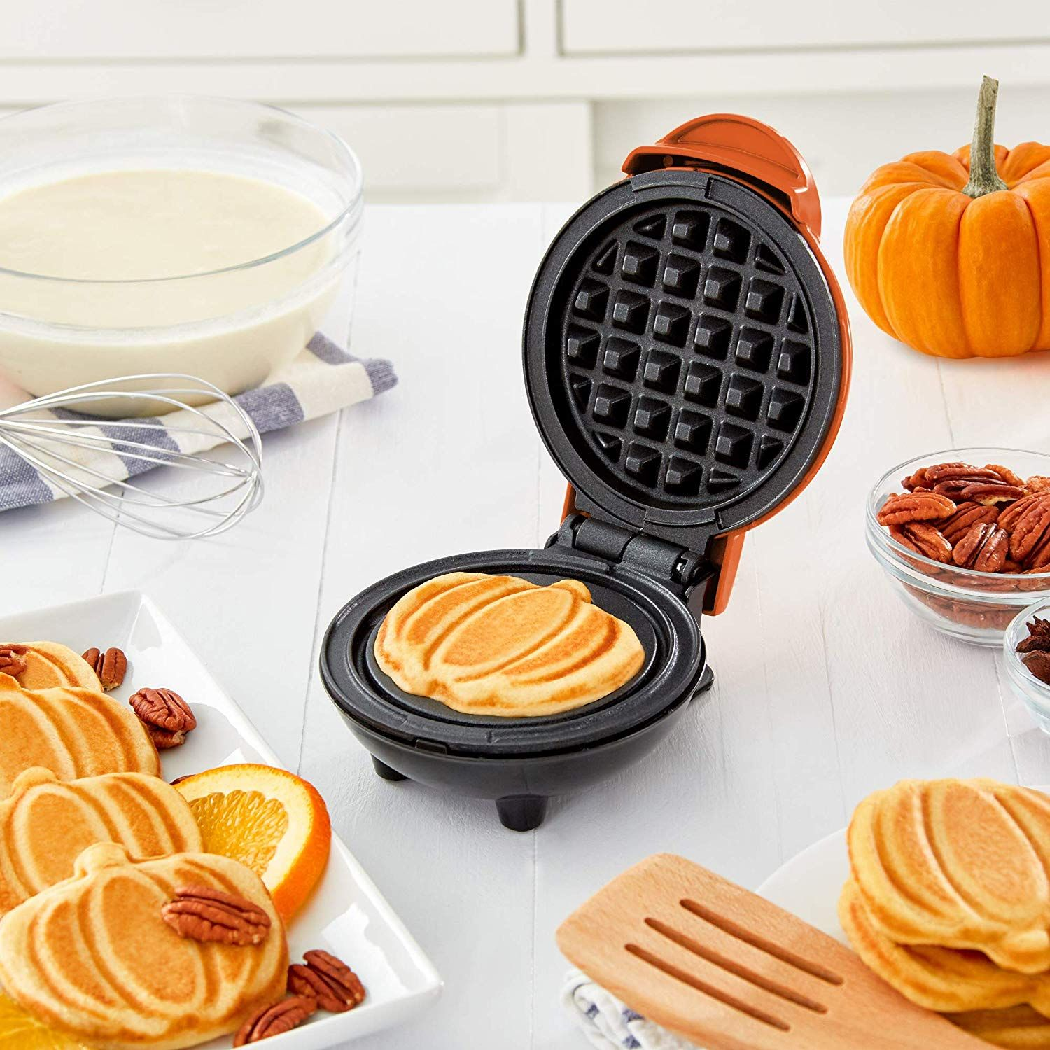 Heart Waffle Maker- Non-Stick Waffle Griddle Iron- 5 Heart-Shaped Waffles Maker 1200W for Waffles and Snacks Or Any Breakfast Lunch