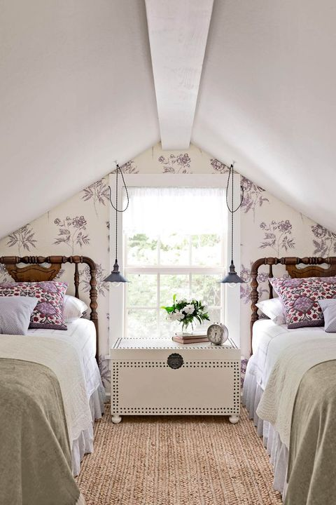 purple bedroom with cream floral walls
