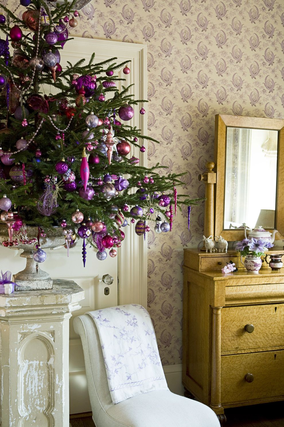 13 Pretty Purple Christmas Decorations Best Purple Ornaments And Wreaths