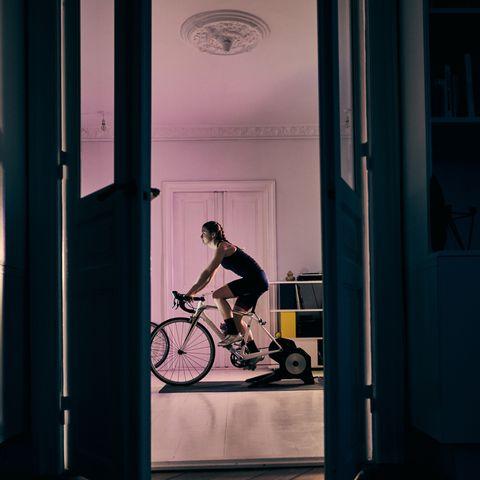 indoor-training-wielrennen-smarttrainer-binnen-fietsen