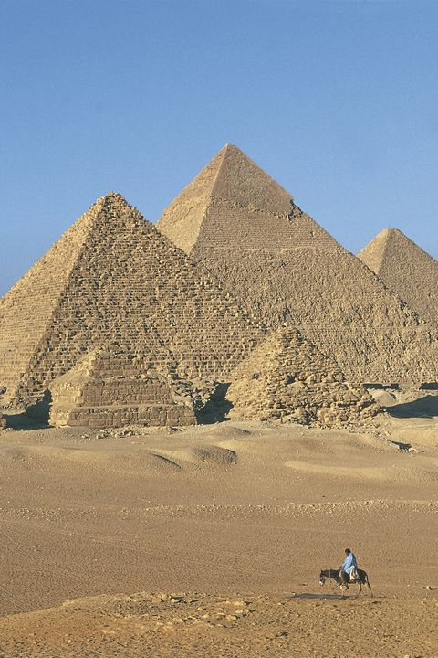 Pyramid, Monument, Historic site, Landmark, Ancient history, Ecoregion, Geology, Unesco world heritage site, Sand, History,