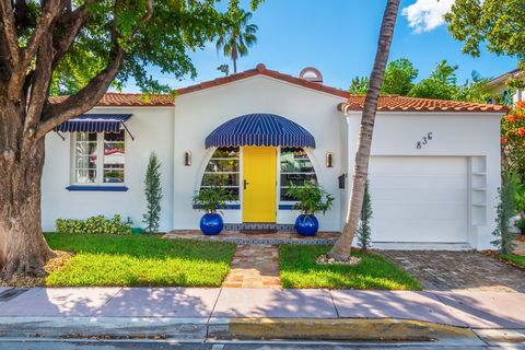 Property, House, Home, Building, Real estate, Majorelle blue, Architecture, Residential area, Facade, Neighbourhood,