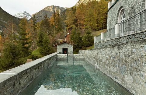Water, Building, Watercourse, Architecture, Reservoir, Landscape, Mountain, House, River, Estate,