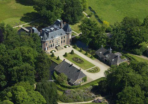 het nijenhuis is een kasteel en landgoed bij diepenheim