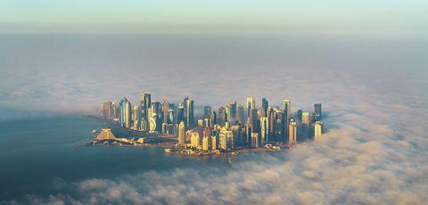 Metropolitan area, Cityscape, City, Skyscraper, Sky, Daytime, Urban area, Water, Skyline, Metropolis,