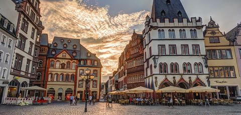 Town, City, Town square, Human settlement, Building, Public space, Architecture, Plaza, Mixed-use, Sky,