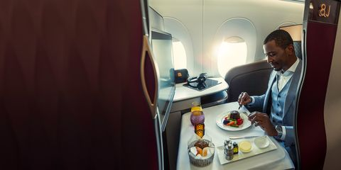 meal service on qatar airlines new business class, the q suite