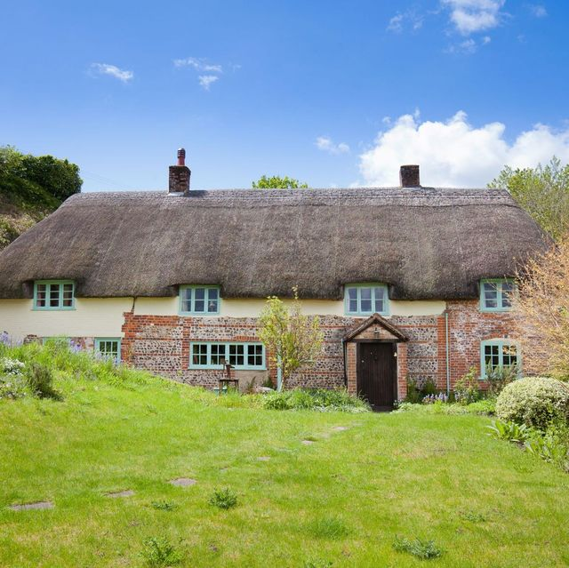 thatched period cottage for sale in hampshire