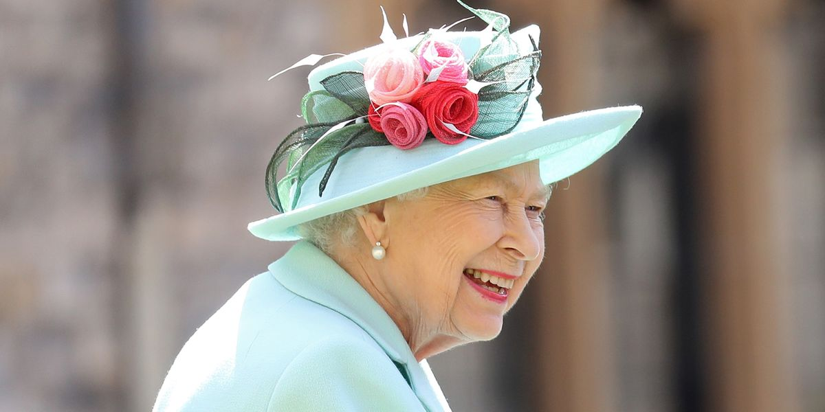 The Queen wore her mother's maple leaf brooch to welcome new Canadian governor