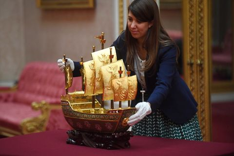 queen elizabeth gifts vessel of friendship