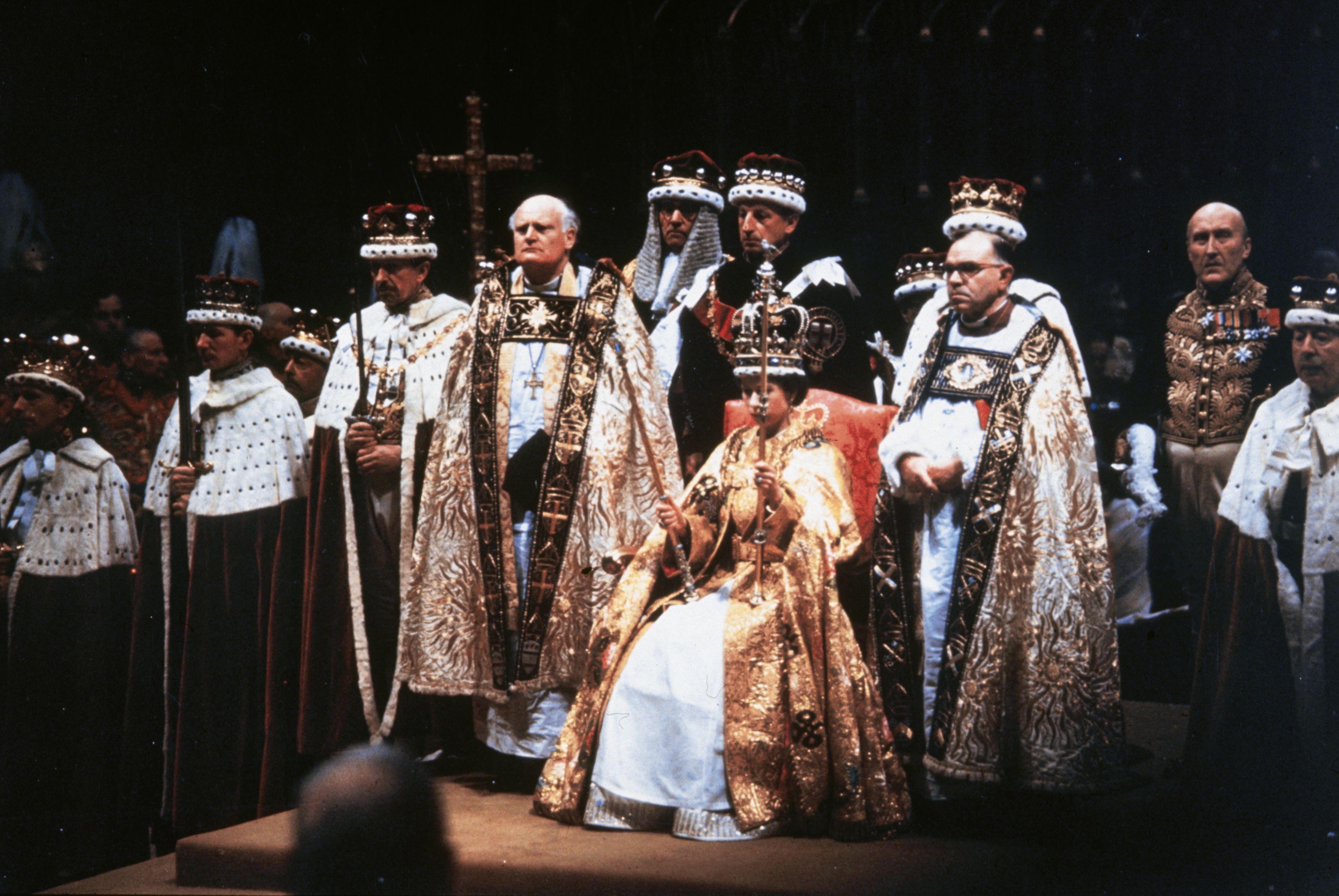 Incoronazione della Regina Elisabetta, tutti i segreti del giorno in cui è diventata The Queen
