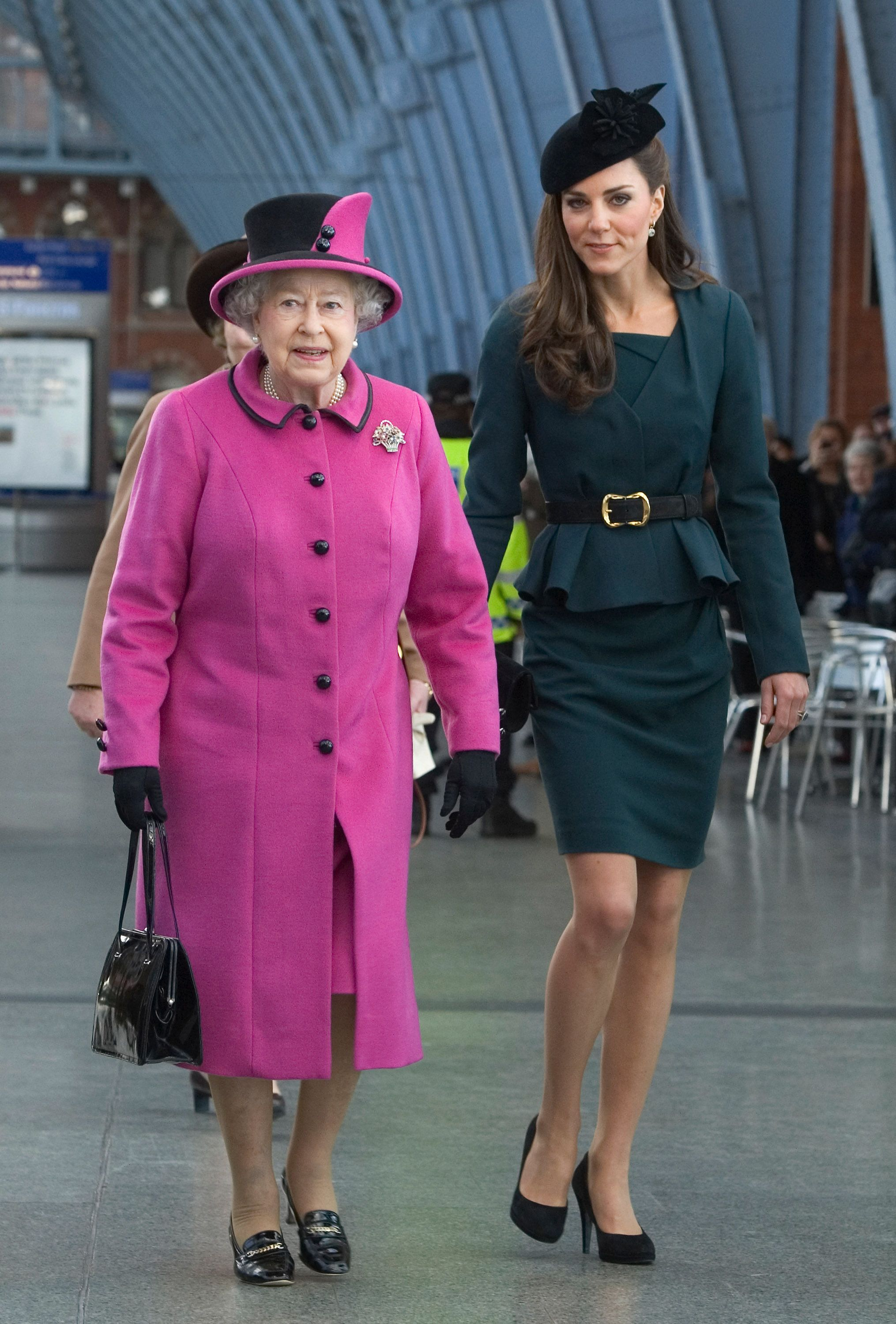 7afc4331ee1b5 Fashion Rules and Style Protocol the Royal Family Must Follow